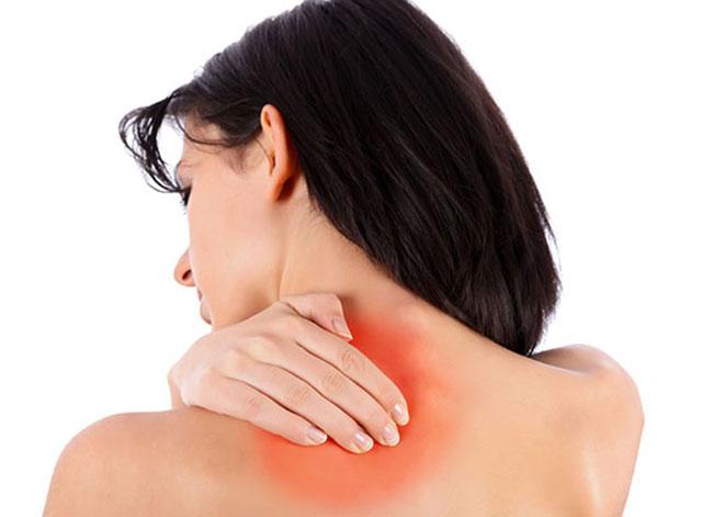 Đau nhức mỏi cổ vai gáy do thái hóa cột sống, thoát vị đĩa đệm cổ nếu không được chữa trị kịp thời sẽ rất nguy hiểm
