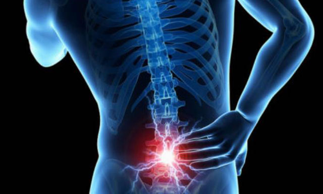 Tình trạng đau lưng đa phần là do cột sống bị tổn thương