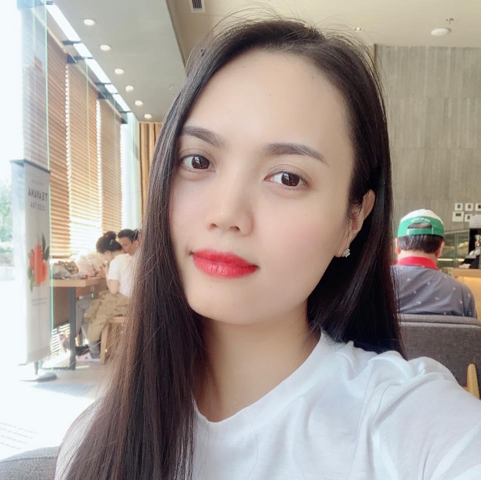 Jenny Trang(Hà Nội)