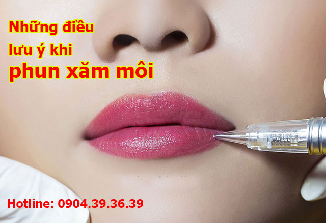 Phun xăm môi để không phải tô lại son